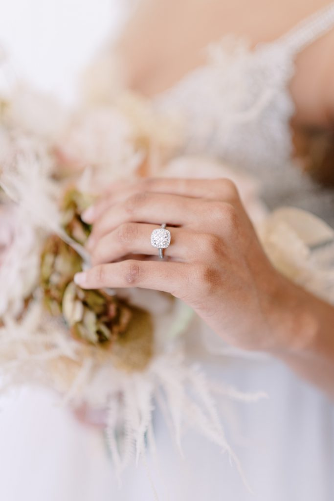 <strong>ENGAGEMENT RING SHOPPING 101:</strong> Finer Jewelry's Expert Advice
